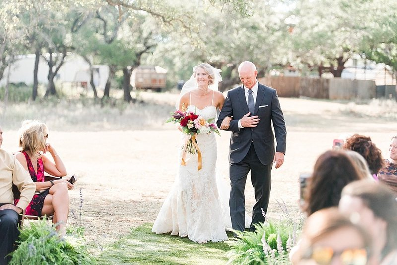 Navy and greenery botanical wedding at The Lodge at Country Inn _ Cottages Wedding Venue in Fredericksburg Texas_0051