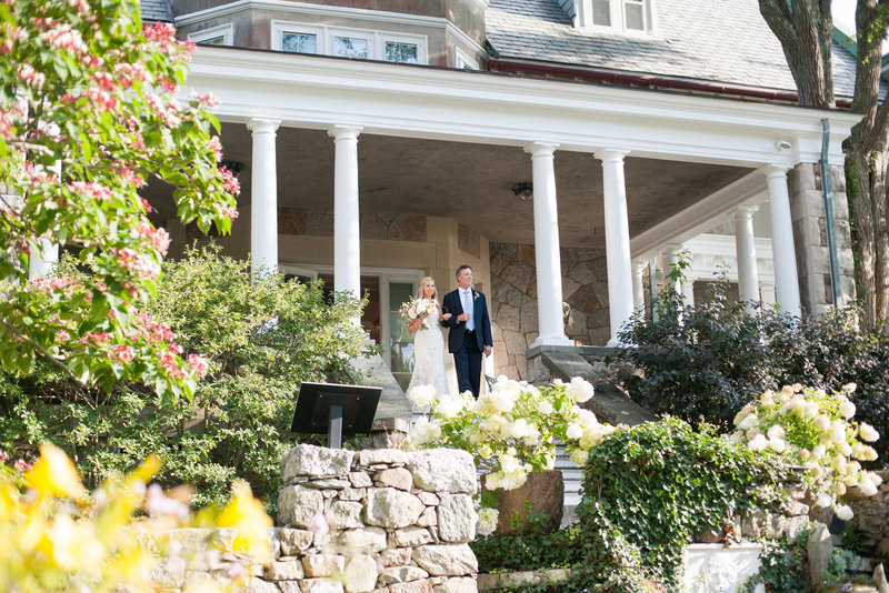 garden ceremony at rhode island mansion