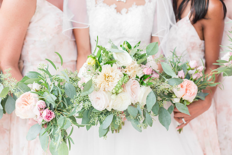 Hampton Roads Bouquets at Woman's Club of Portsmouth Wedding