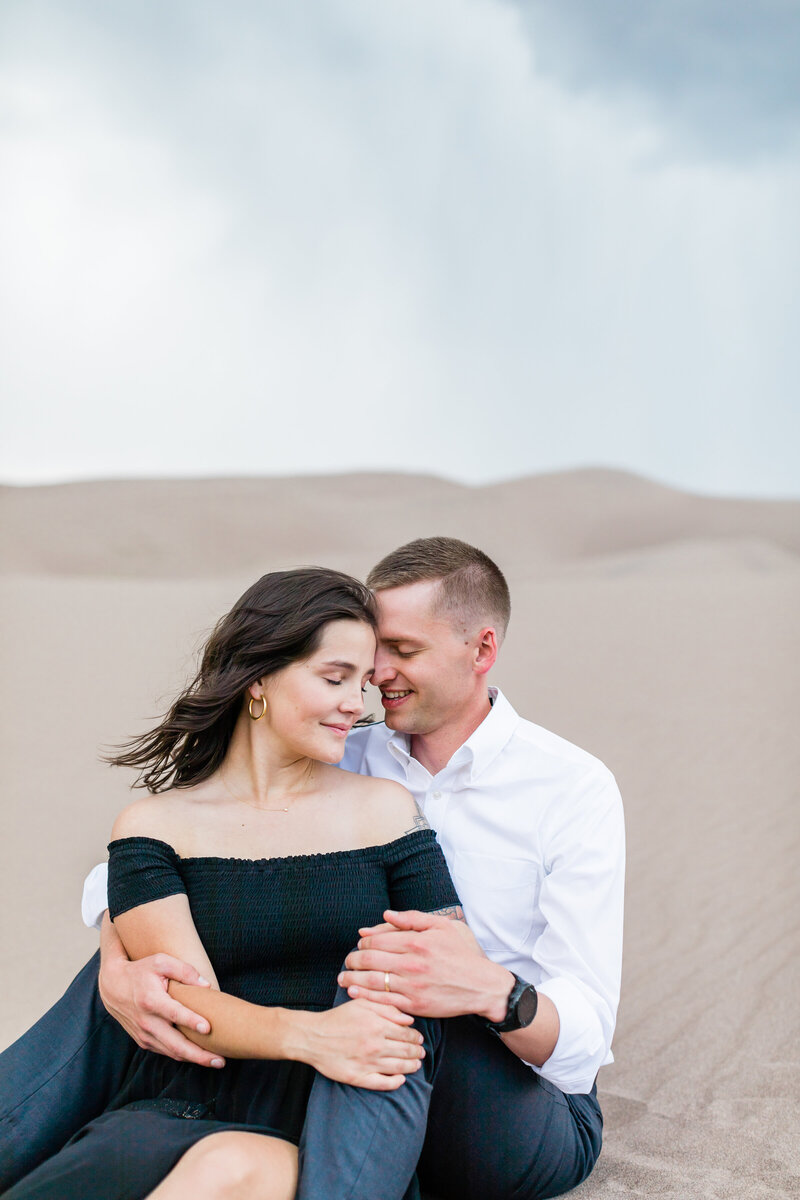 Sand Dunes Engagement - Photos by Ava Vienneau-63