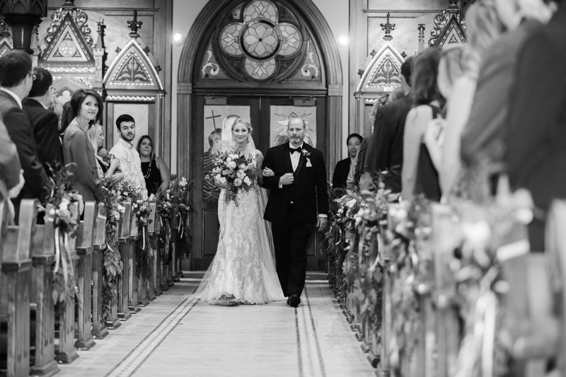24-Wisconsin-Classic-Country-Club-Catholic-Wedding-James-Stokes-Photography