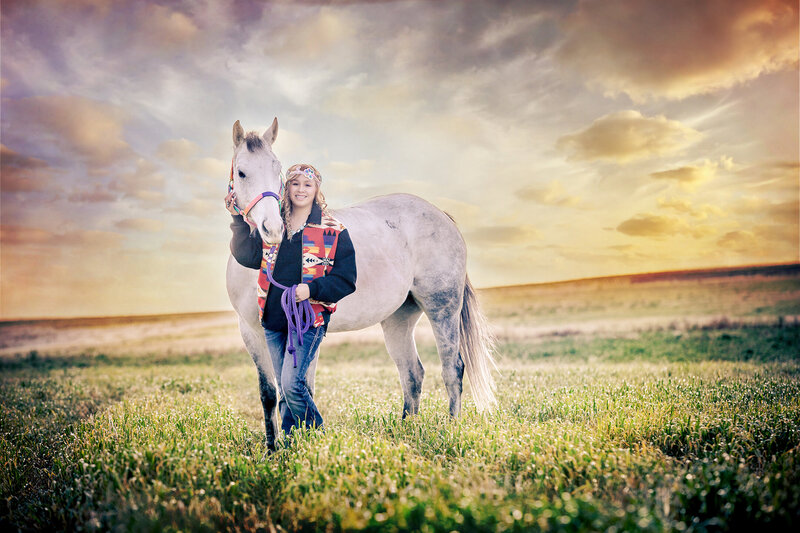girl with horse, beautiful sunset, billings Montana, graduation pictures