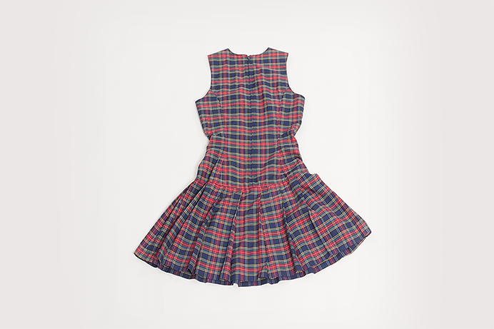 vintage-plaid-dress-with-buckle-detail-02