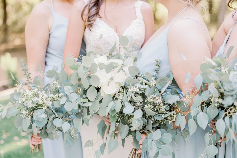 Dallas bride and bridesmaids bouquets