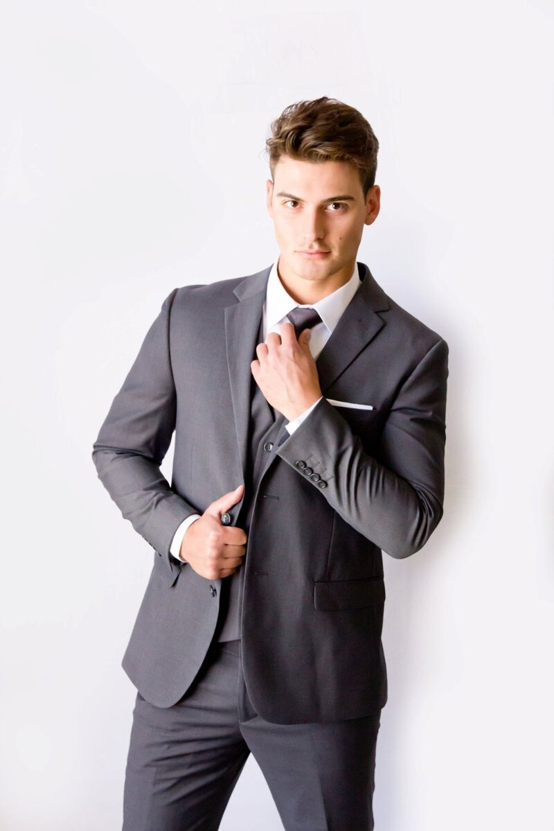 grey-groom-suit