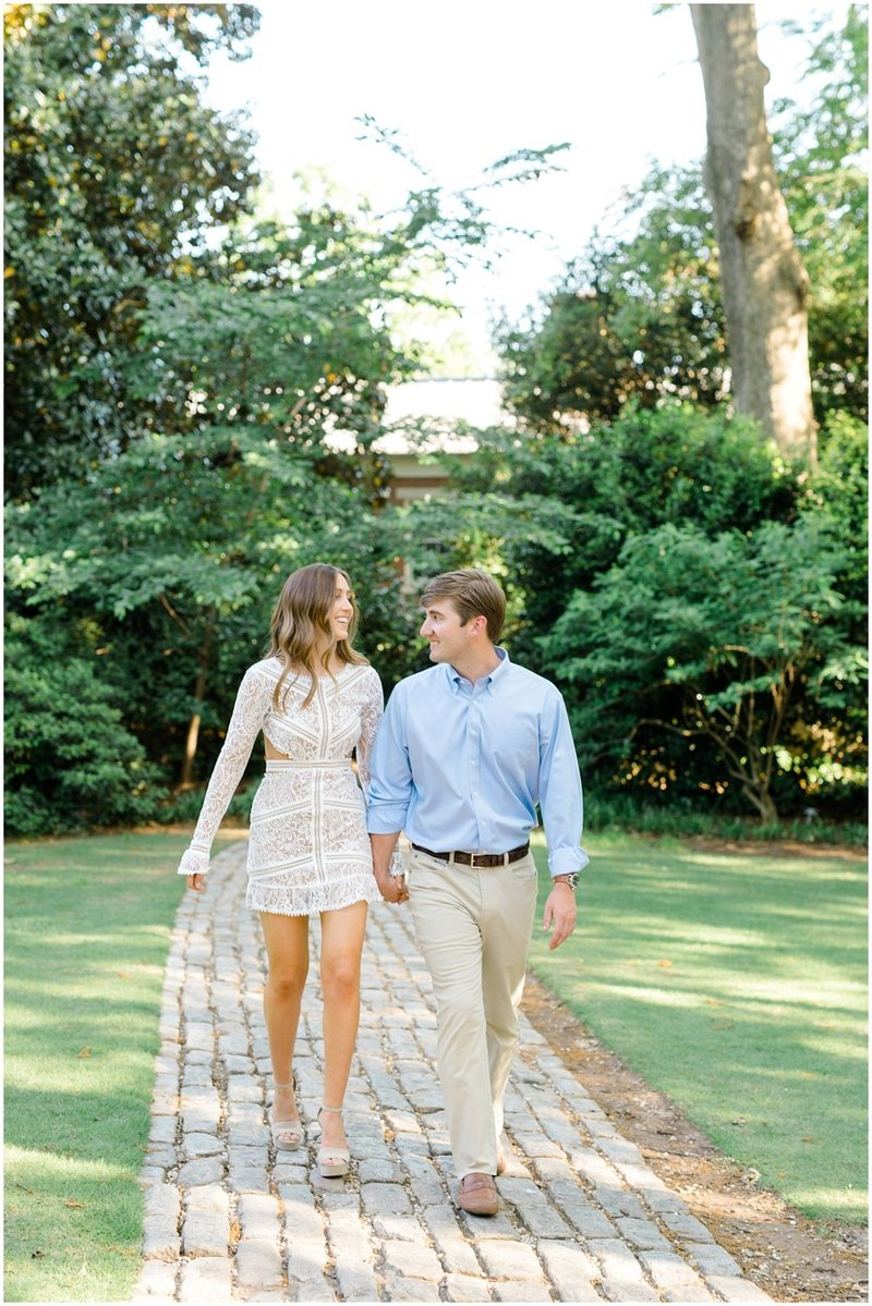 north-georgia-wedding-photographer-uga-founders-garden-engagement-athens-georgia-laura-barnes-photo-04