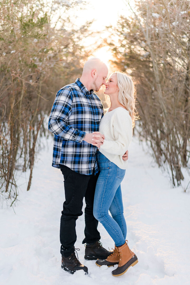 winter-philadelphia-engagement-andrea-krout-photography-11