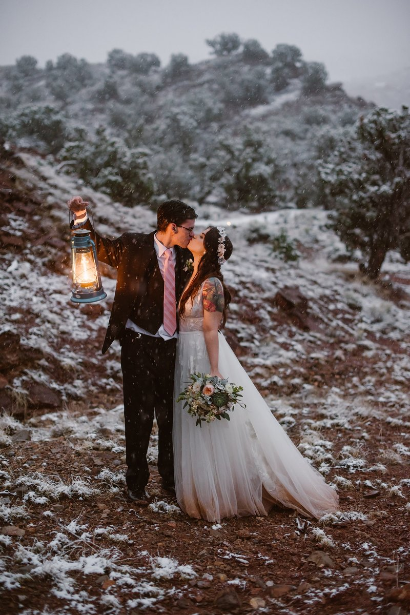 Desert-Harbor-Elopement-Winter-Snow