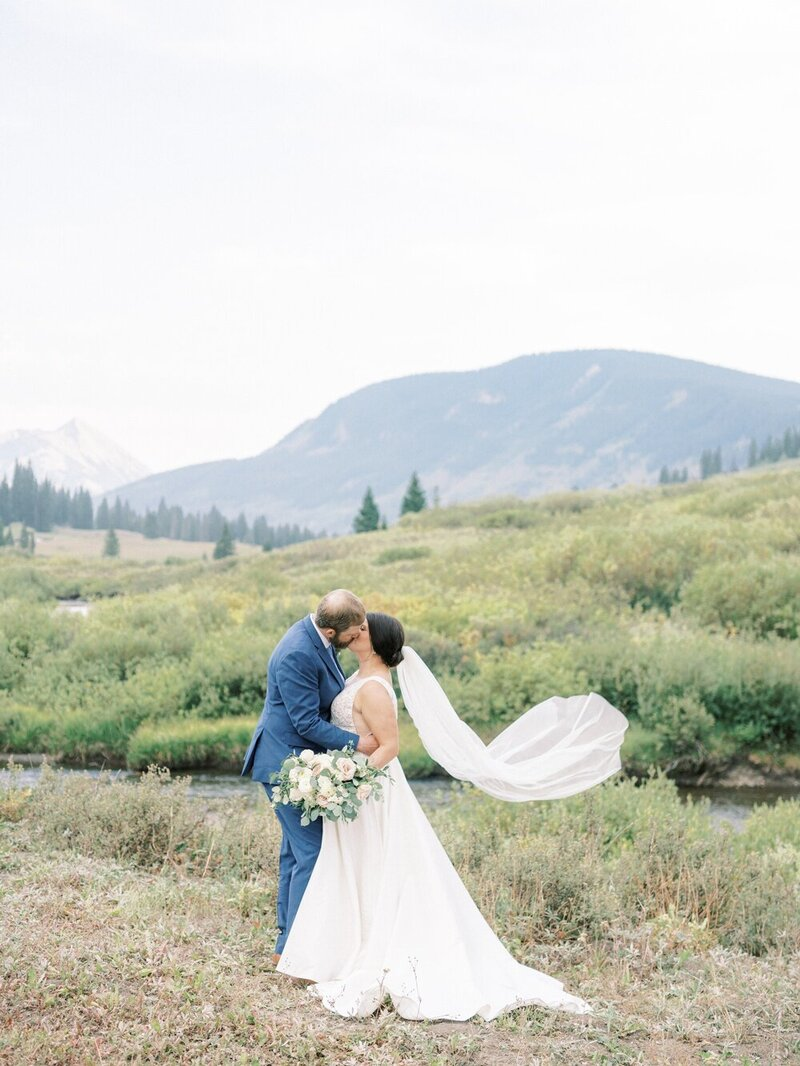 Joyful and Playful Wedding in Crested Butte_0031