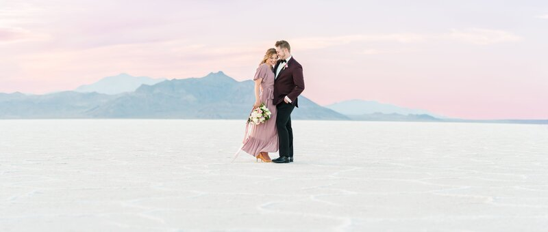 9. Bonneville Salt Flats Milky Way Anniversary Session_Jessie and Dallin Photography_011