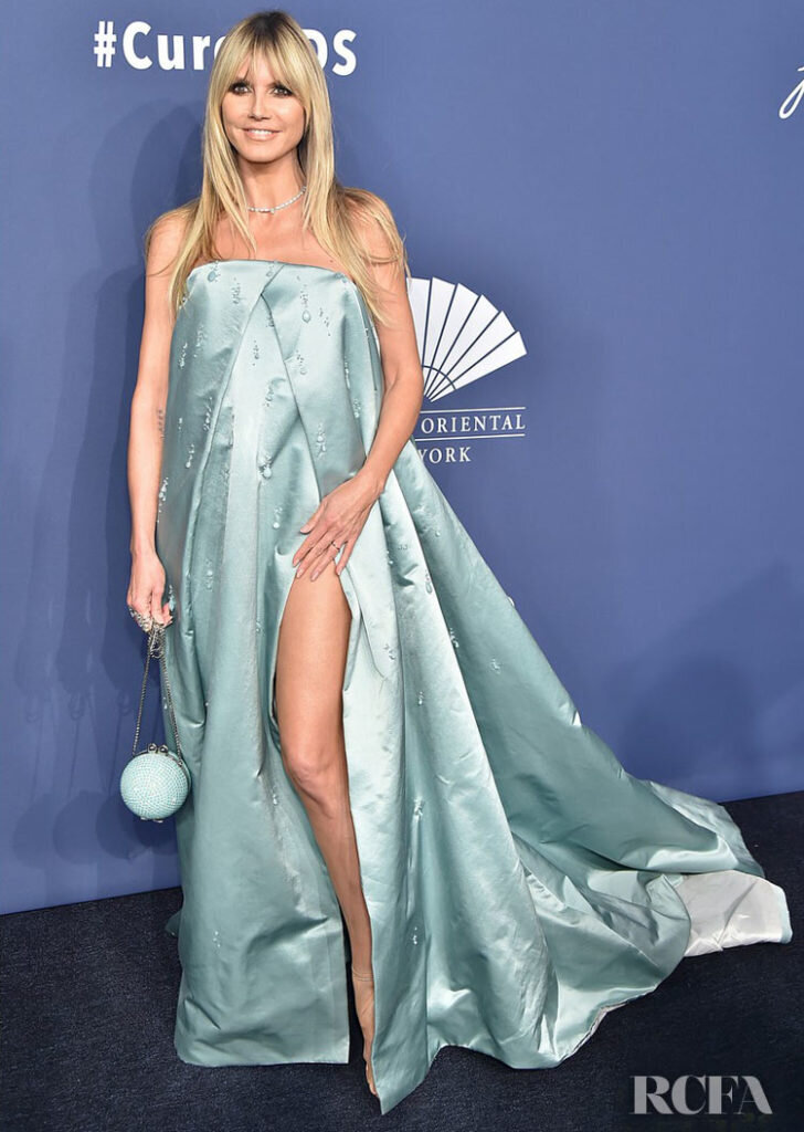 Heidi-Klum-Wore-Stephane-Rolland-Haute-Couture-To-The-amfAR-New-York-Gala-2020-728x1024