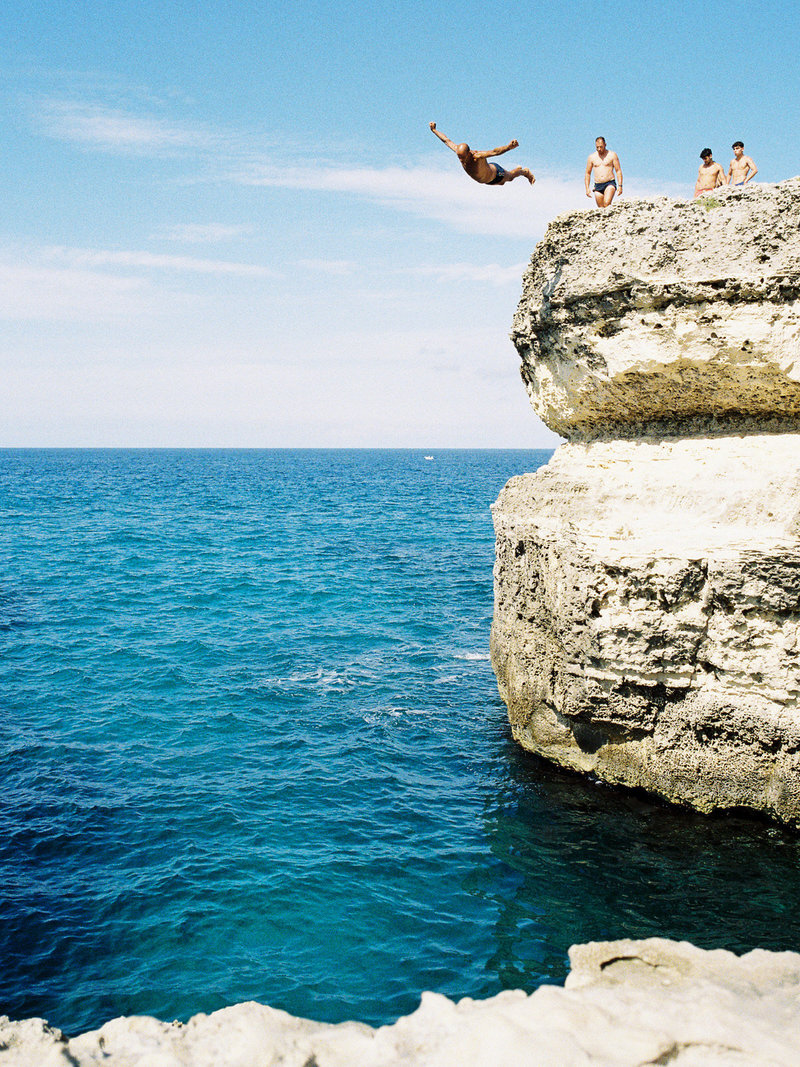 cliff diving in lecce, italy