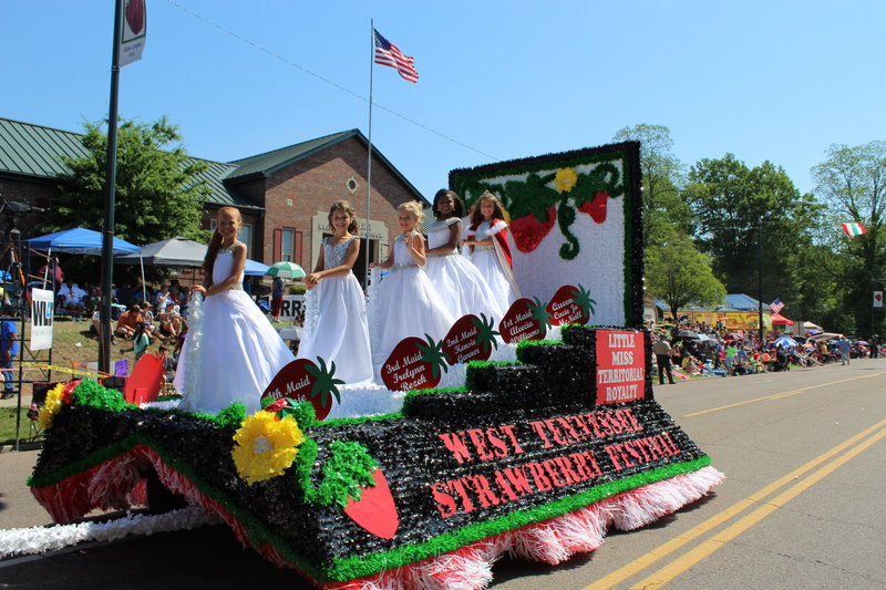 West Tennessee Strawberry Festival - Parade Floatslittle ms territorial float