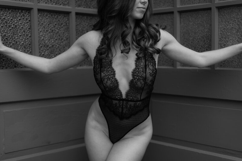 Dark_and_NMoody_Boudoir_Session_at_Maas_Building_Philadelphia_with_Ultimate_Edge_Photography-6