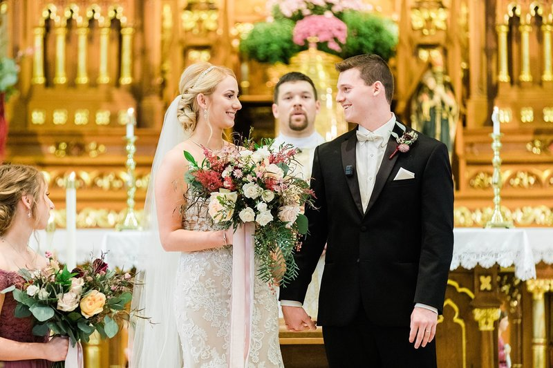 32-Wisconsin-Classic-Country-Club-Catholic-Wedding-James-Stokes-Photography