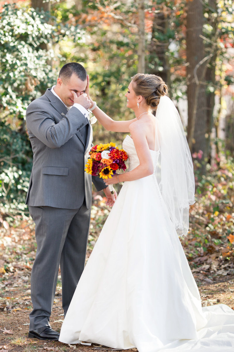 Wedding couple's first look at a Fredericksburg, Virginia wedding.