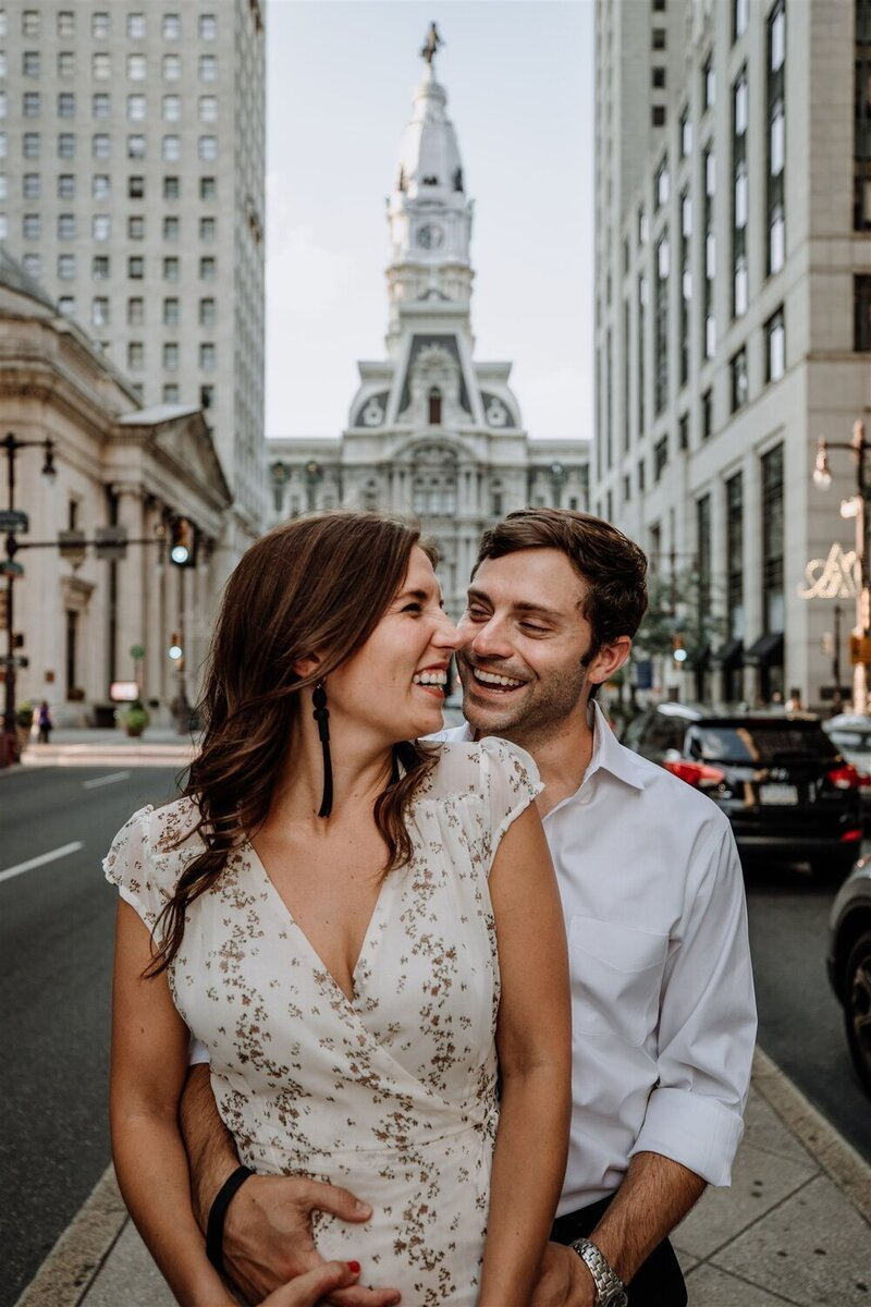 philadelphia-city-hall-engagement-photos-4