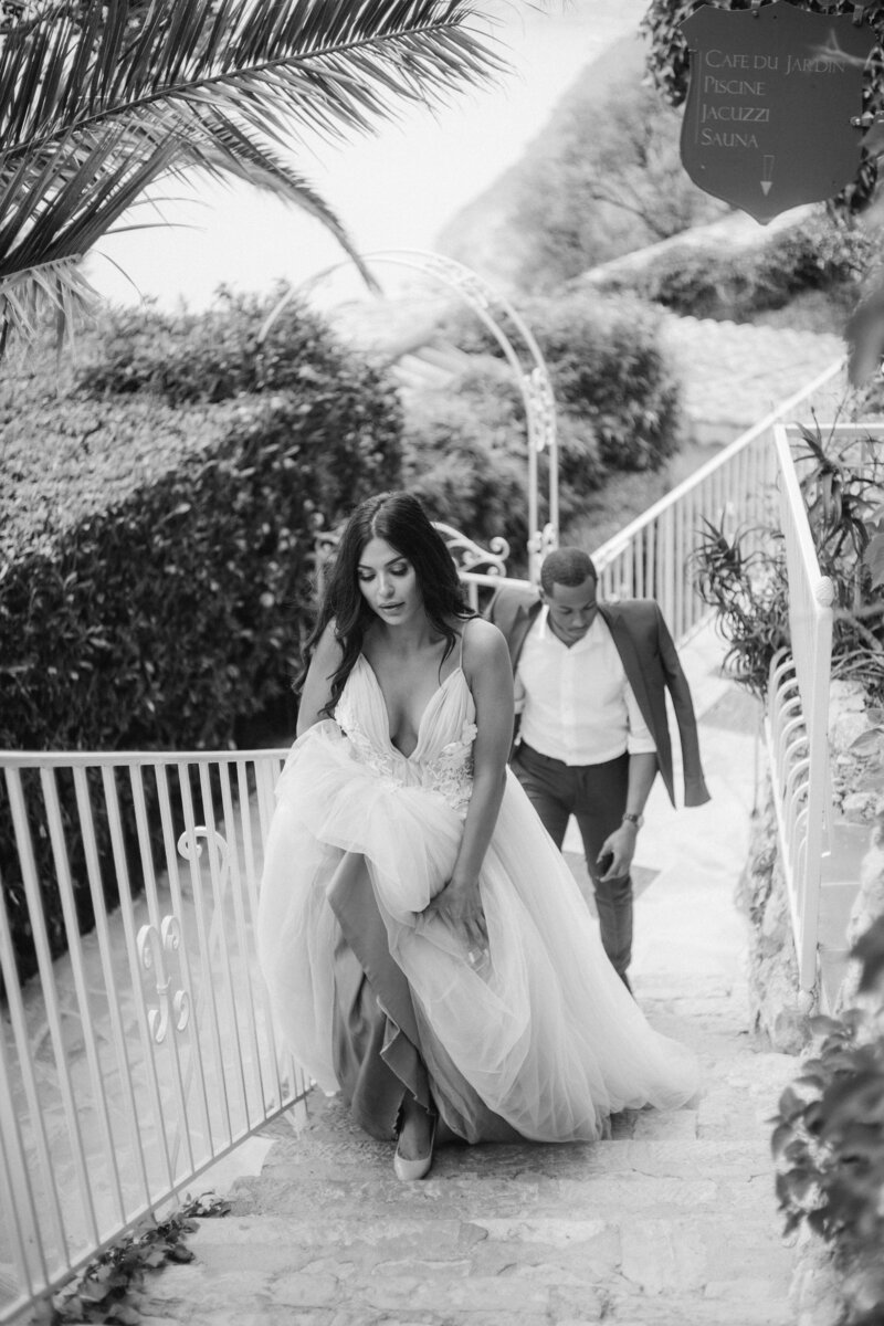 wedding couple stair chateau wedding french riviera