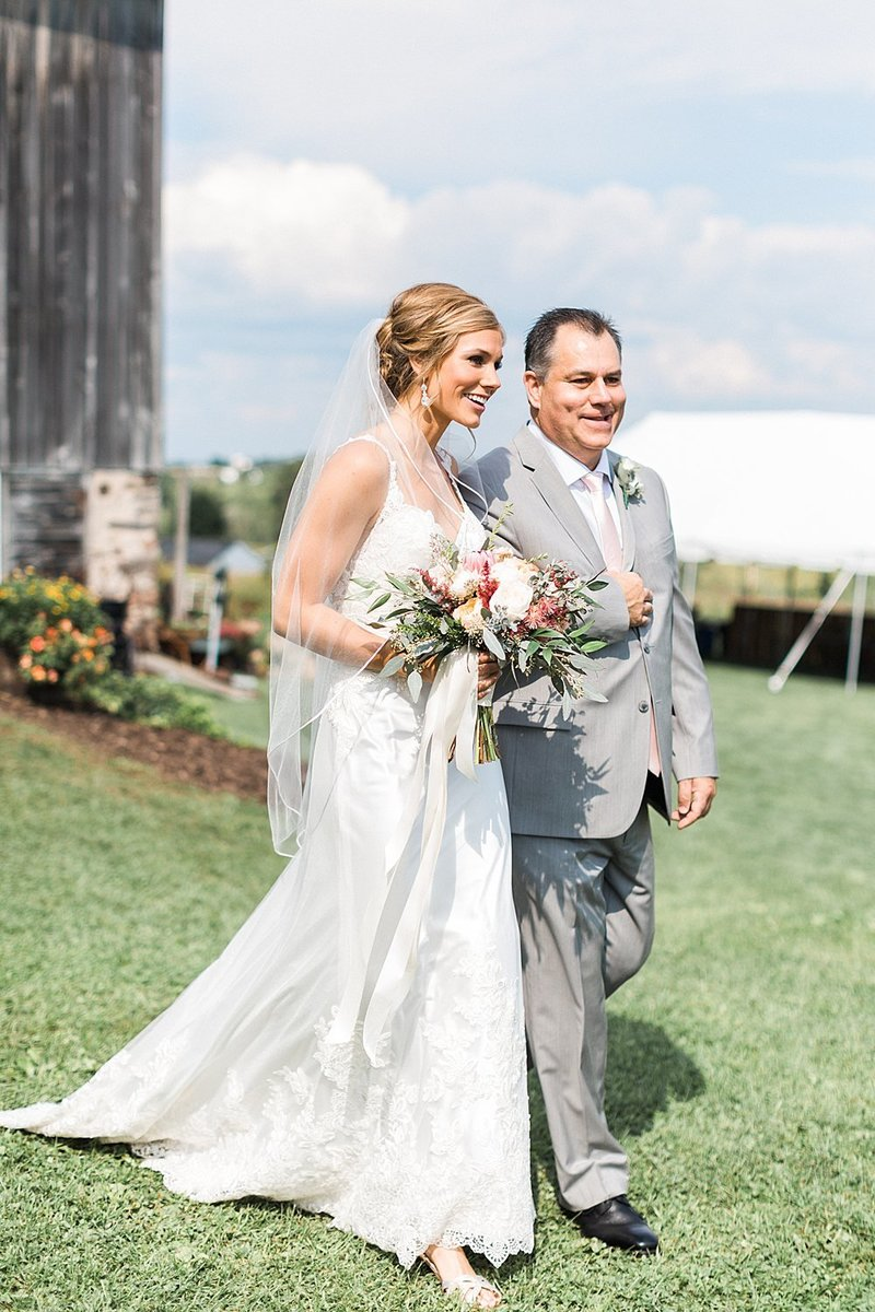 055_Tansy-Hill-Farms_Outdoor_Wedding-James-Stokes-Photography