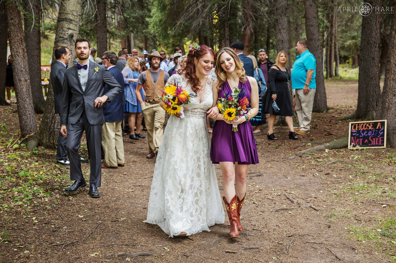 Colorado-Mountain-Wedding-in-the-Woods-at-Beaver-Ranch-in-Conifer