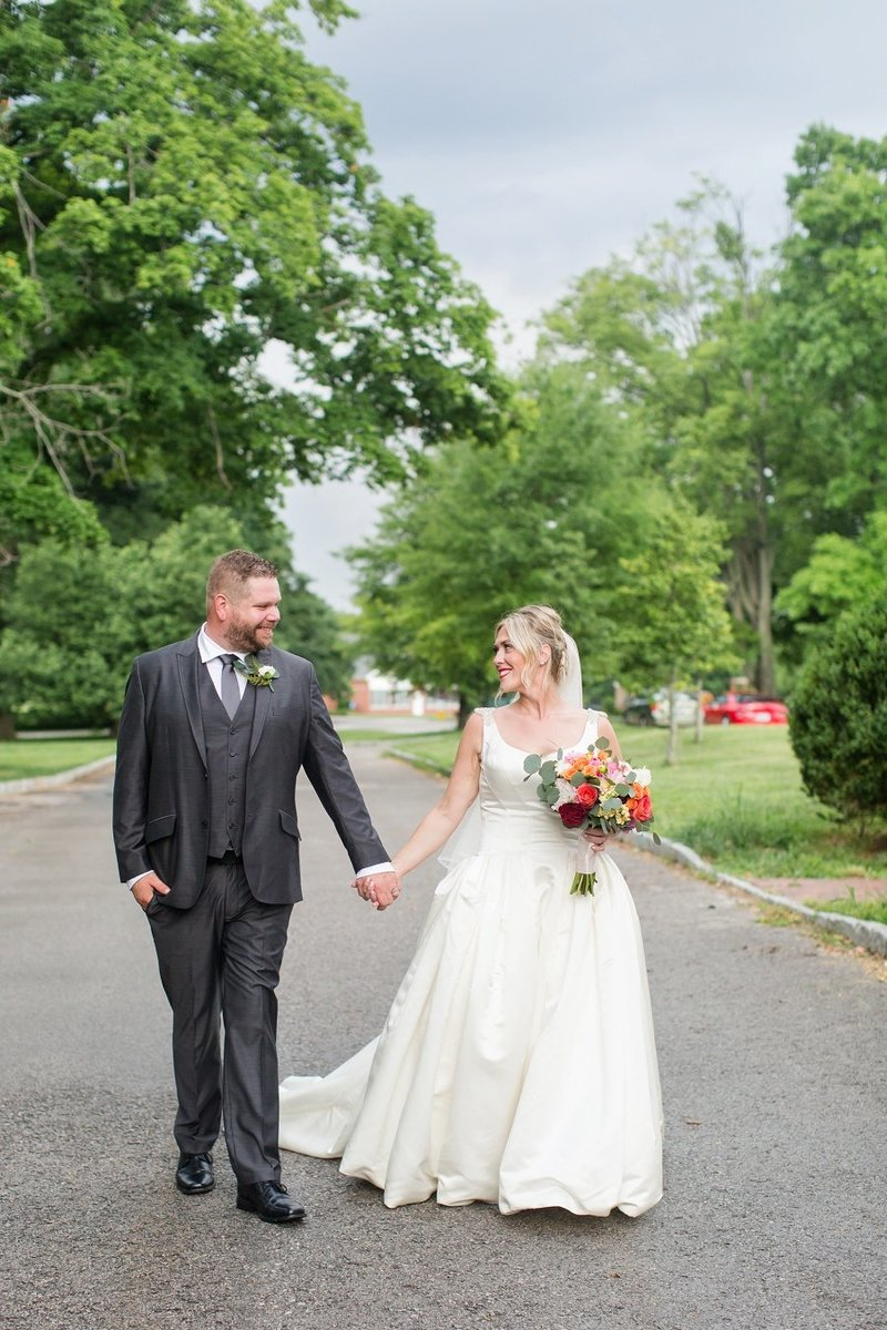 Beautiful Silver, Pink and Gold Melwood Arts Center Wedding in Louisville Kentucky by Destination Wedding Photographer Samantha Laffoon_0691