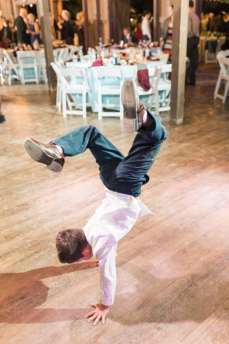 Eagle Dancer Ranch in Boerne Texas Wedding Venue photos by Allison Jeffers Photography_0088