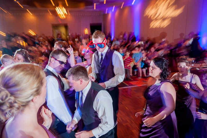 Ramada Plaza Fargo Wedding photos by Kris Kandel (3)