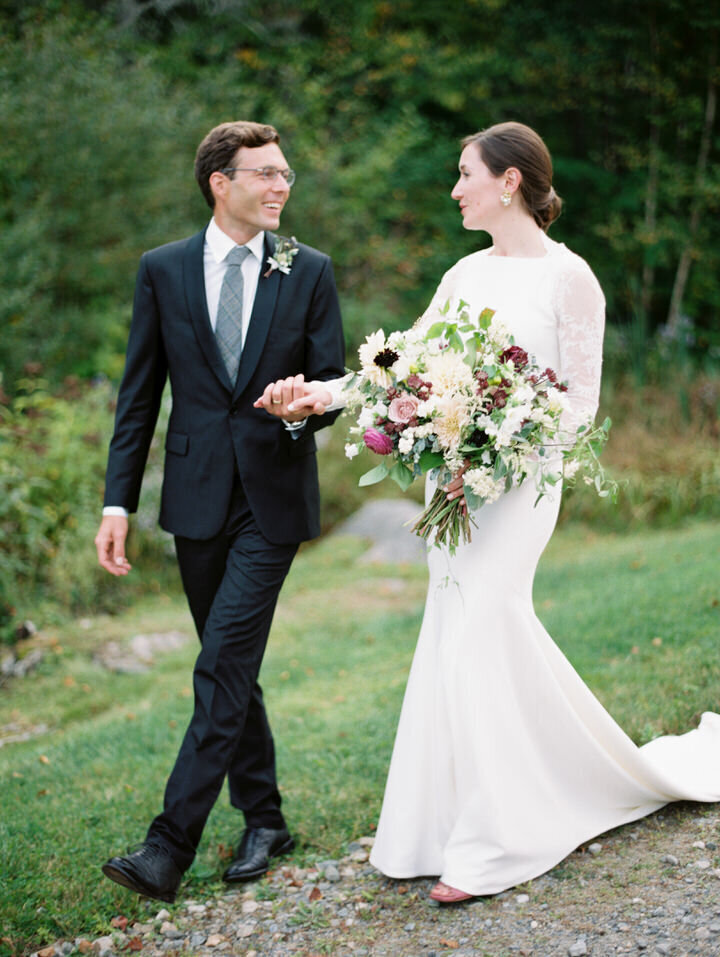 bride and groom wedding photos in woodstock, vermont
