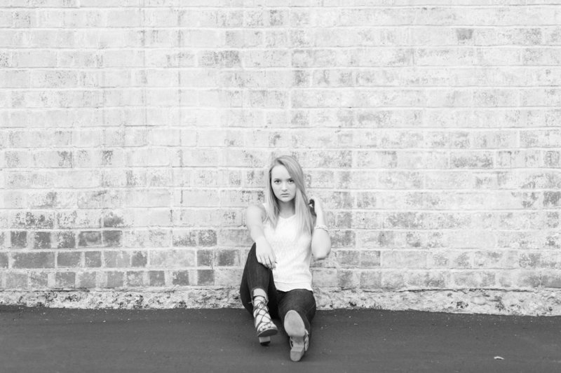 kaylee-triway-downtownwooster-seniorpictures-jamielynettephotography-248