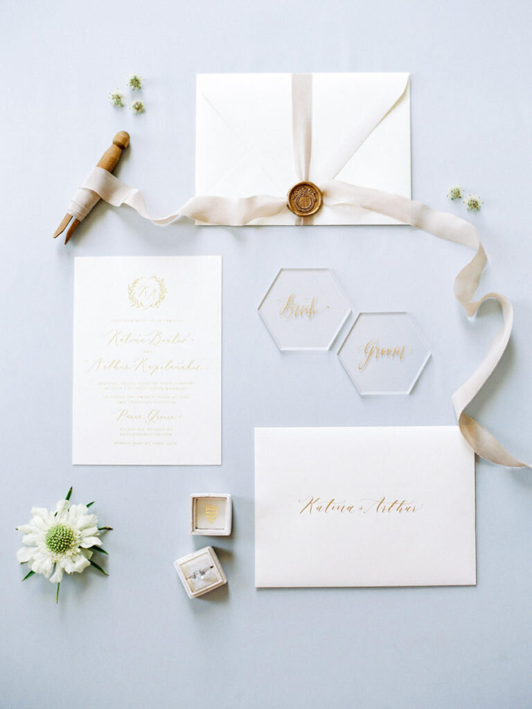 008-modern-calligraphy-wedding-invites-with-wax-seal-768x1024