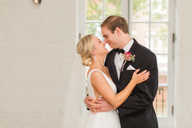 historic-post-office-wedding-kelley-stinson-photography-0020