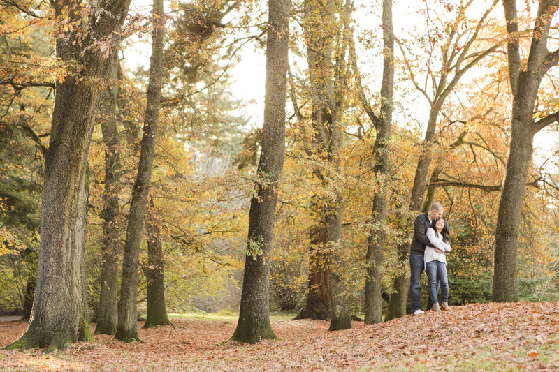 seattle wedding photographer lincoln park autumn color engagement photo
