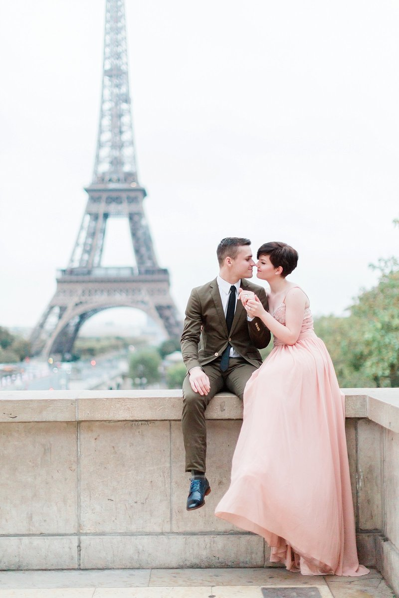 Paris, France anniversary session photographed by Alicia Yarrish Photography at the Eiffel Tower