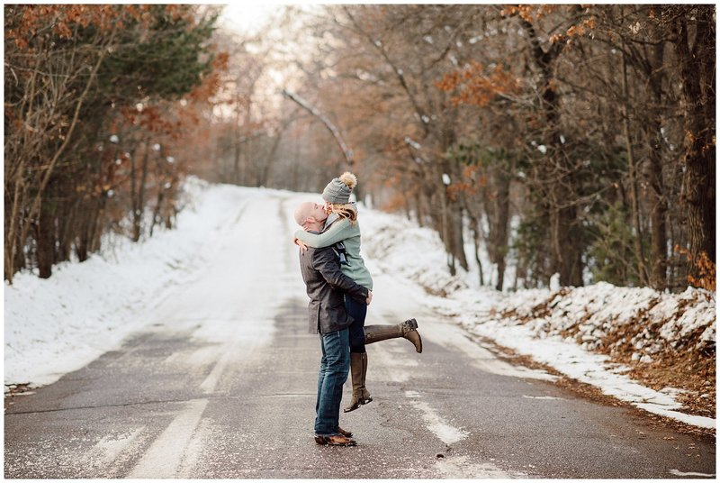 Outdoor-Winter-Couples-Session025