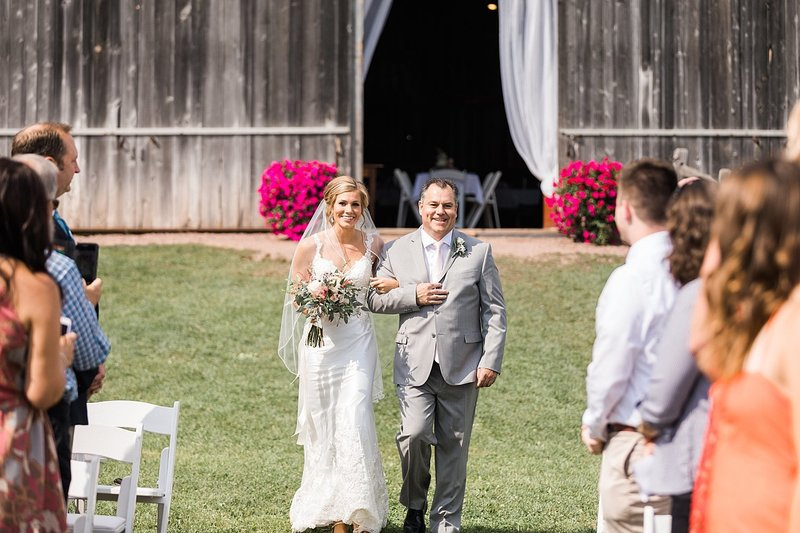 056_Tansy-Hill-Farms_Outdoor_Wedding-James-Stokes-Photography