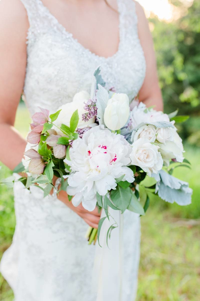 nothern-michigan-wedding-florist-bouquet