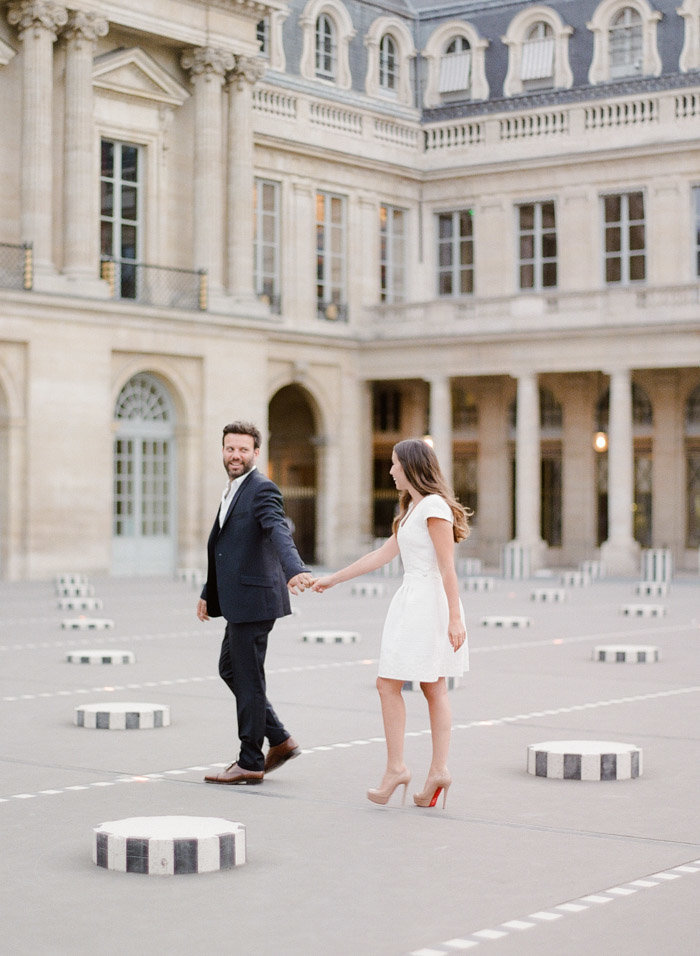 palais-royal-paris-engagement-photographer-jeanni-dunagan-22