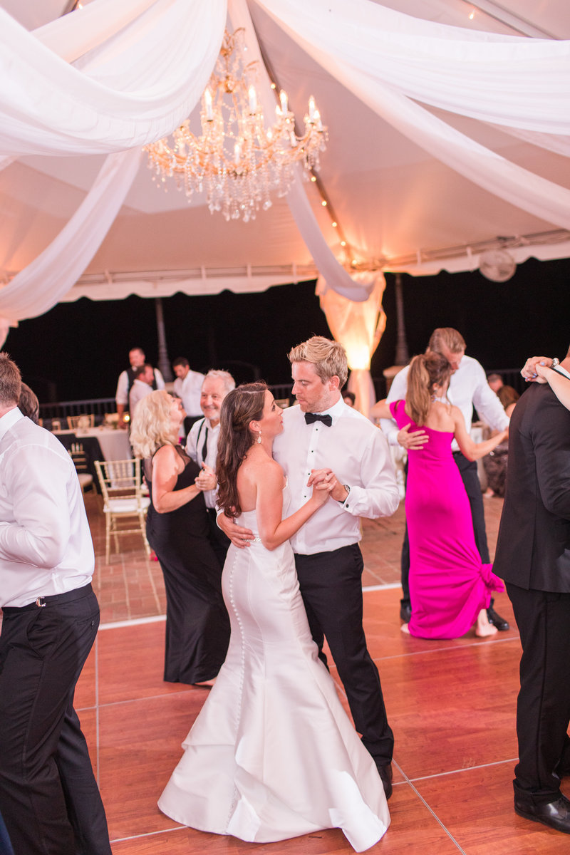 signature-at-west-neck-wedding-kelley-stinson-photography0056