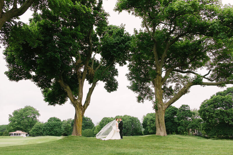 wedding-couple-westmorelane-country-club-wilmette