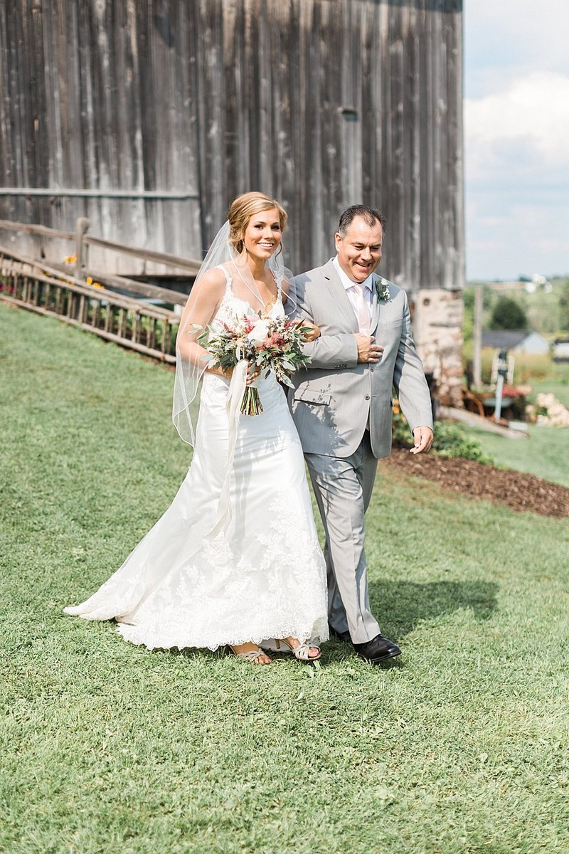 054_Tansy-Hill-Farms_Outdoor_Wedding-James-Stokes-Photography