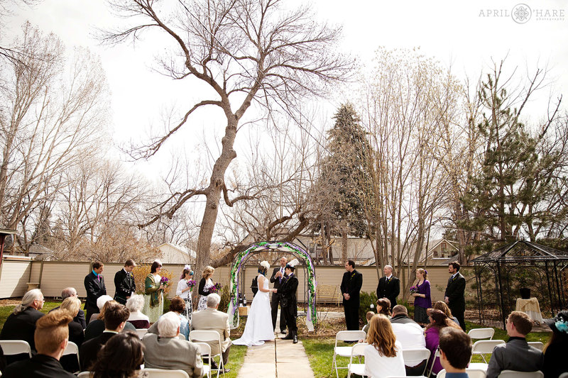 Backyard-Winter-Wedding-Venue-McCreery-House-Mansion-in-Loveland-CO