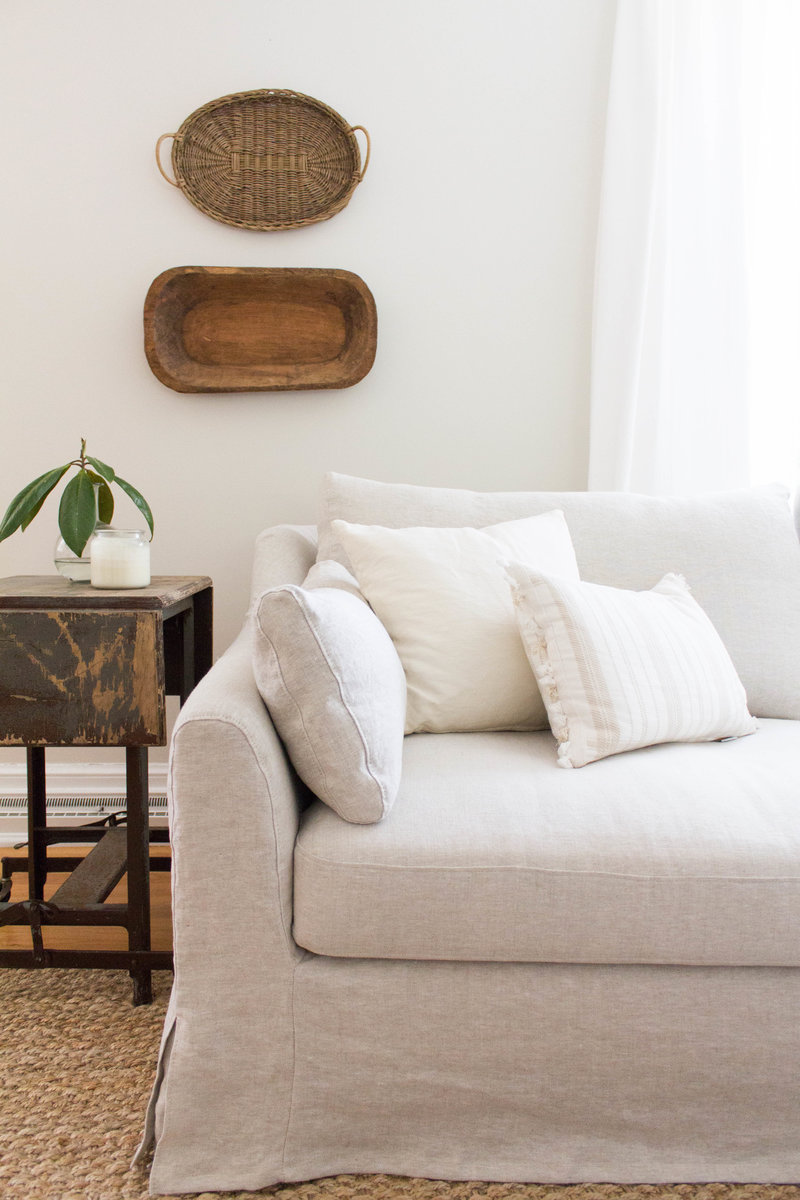 slipcovered-linen-sofa-collected-style