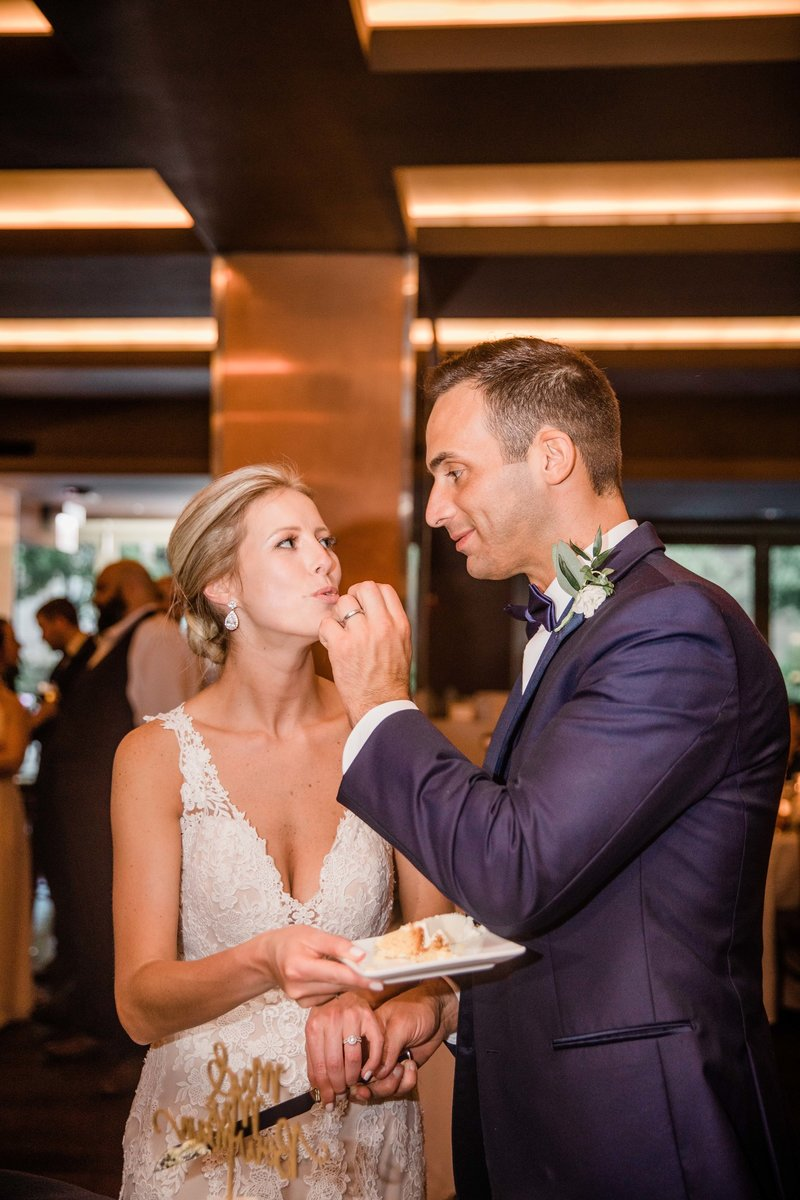 chicago-tribune-tower-wedding-nicole-jason-713