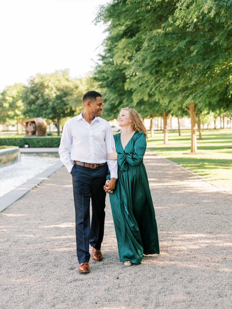 Kimbell-Art-Museum-Engagement-Photographer-3