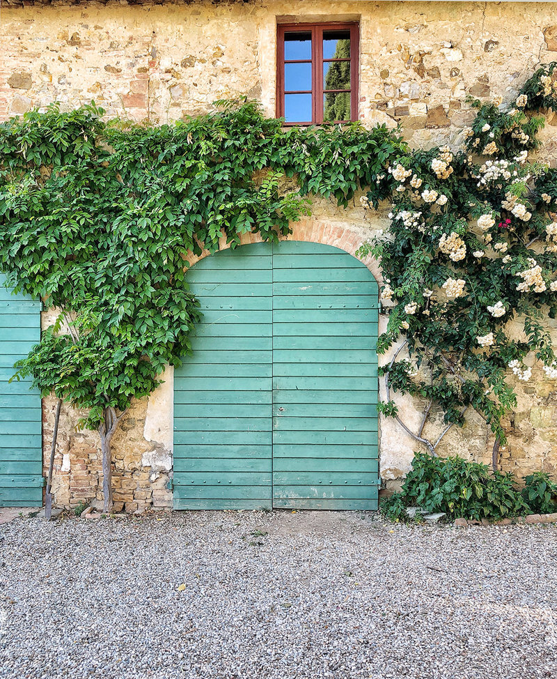 La Dolce Vita Retreat Tuscany door