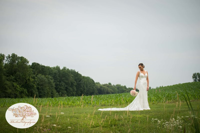 Belhurst Castle Pictures Geneva NY Syracuse Wedding Photographer-28