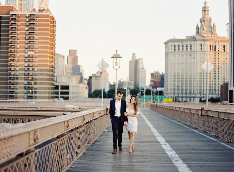 10-Brooklyn-Bridge-Engagement-Photos