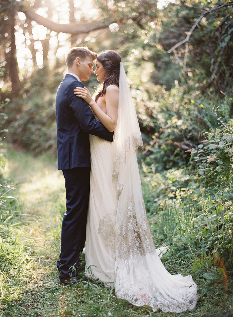 Organic, ethereal bridals by Virginia wedding photographers Michael and Carina Photography