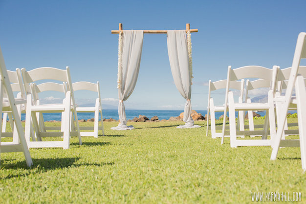 chairs and arches to add to your hawaii venue wedding