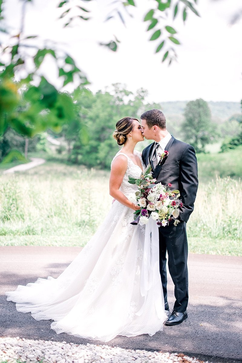 Bloomington_Indiana_The_Wilds_Wedding_Event_Venue_Modern_Farmhouse_Weddings_109